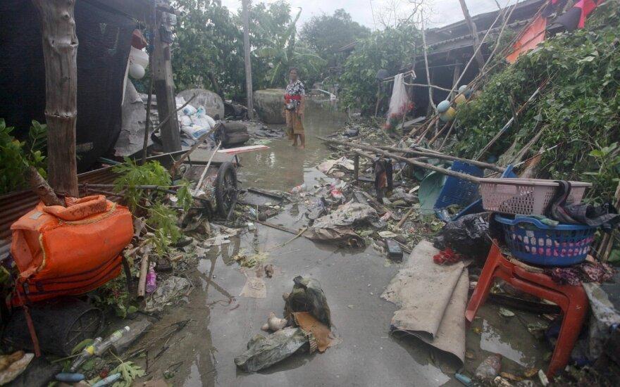 Per audrą Tailande turistų pamėgtos salos nenukentėjo, tačiau be aukų neapsieita
