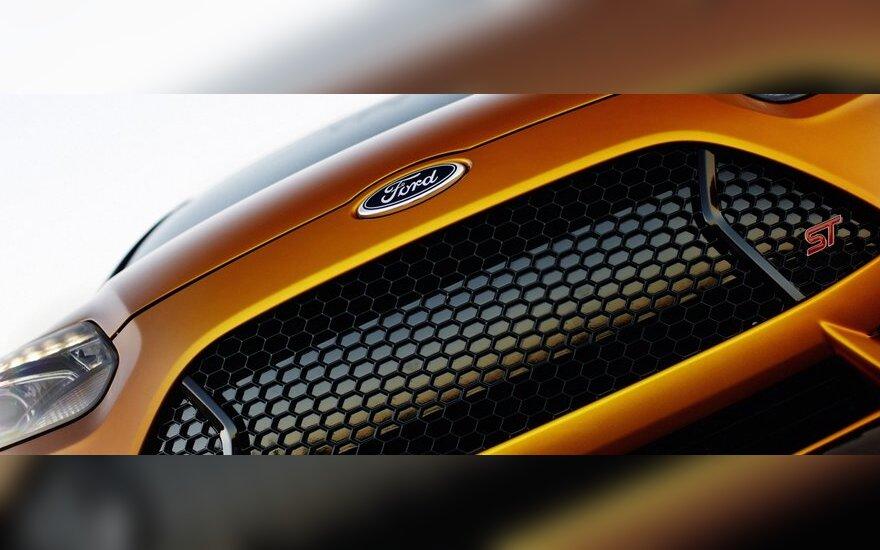 """""""Ford"""" sukūrė naują anglies pluošto technologiją, kurią žada naudoti masiškai"""