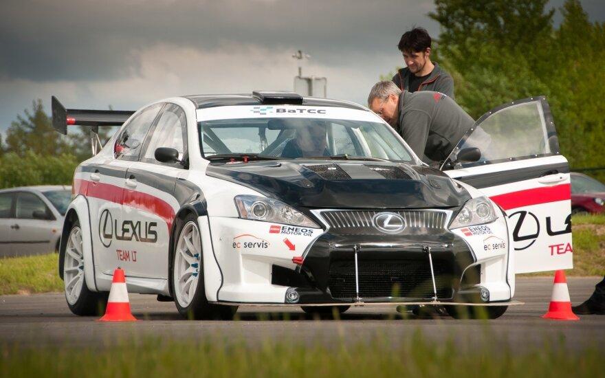 """Lexus team LT"" komanda"