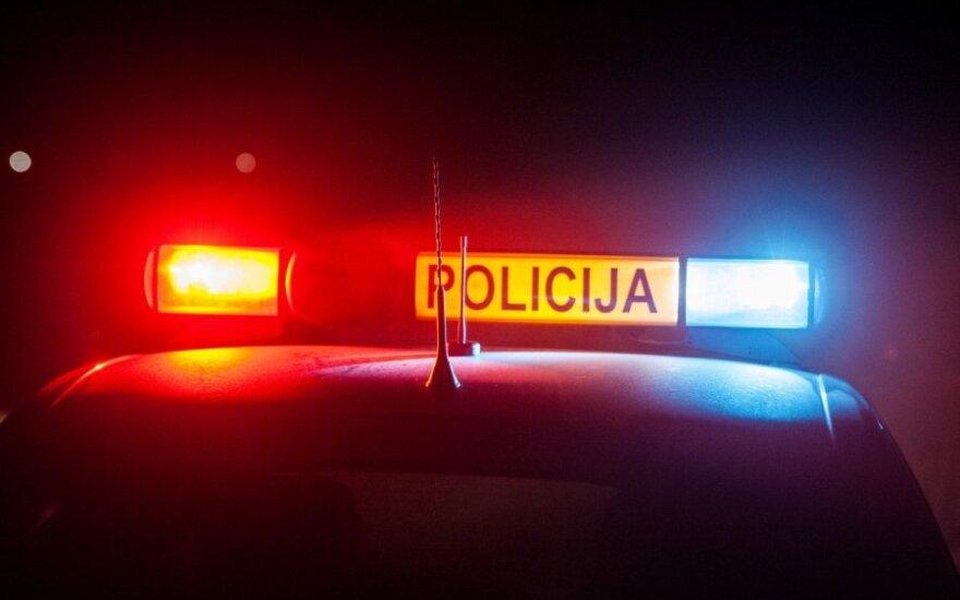 Vilniuje gausios pajėgos miške ieškojo telefonu pagalbos prašiusio vyro ir rado jį negyvą