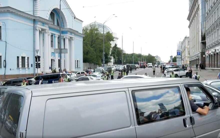 Kijeve bombą susprogdinti grasinęs vyras areštuotas