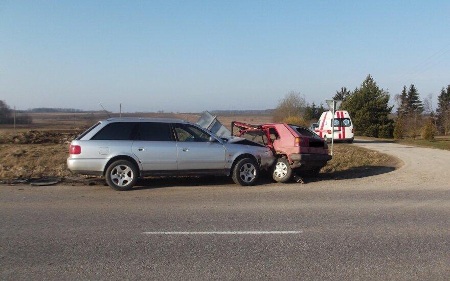 Pražūtinga savaitė: eismo įvykiai nusinešė 5 gyvybes