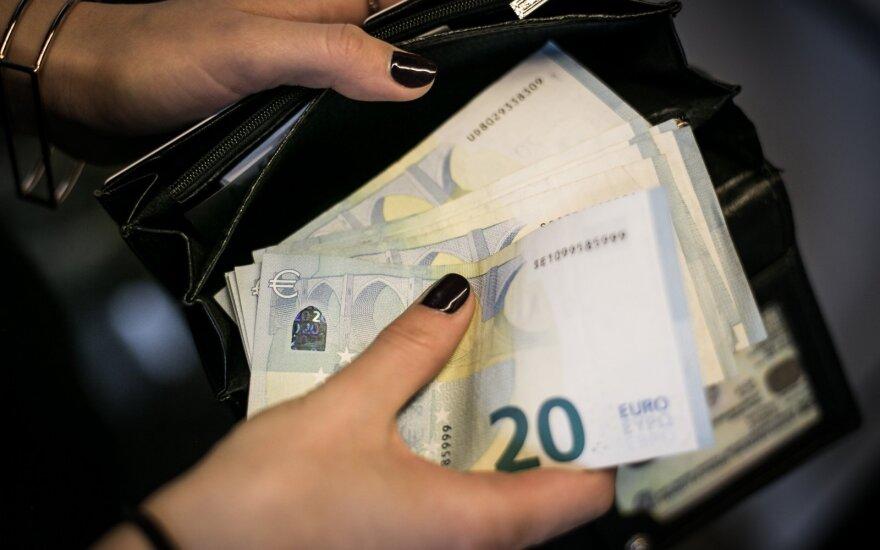 Pokyčiai bankuose: grynųjų paslaugos patikimos savitarnai