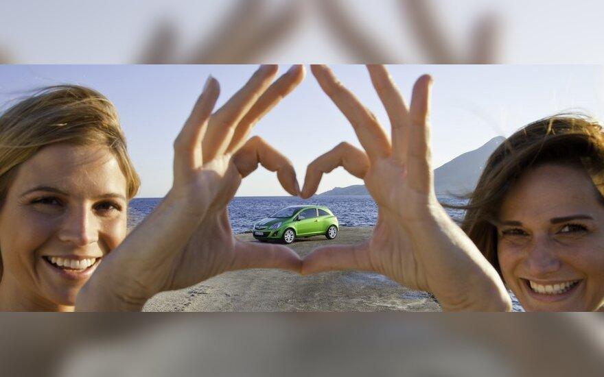 Moterų meilė automobiliui