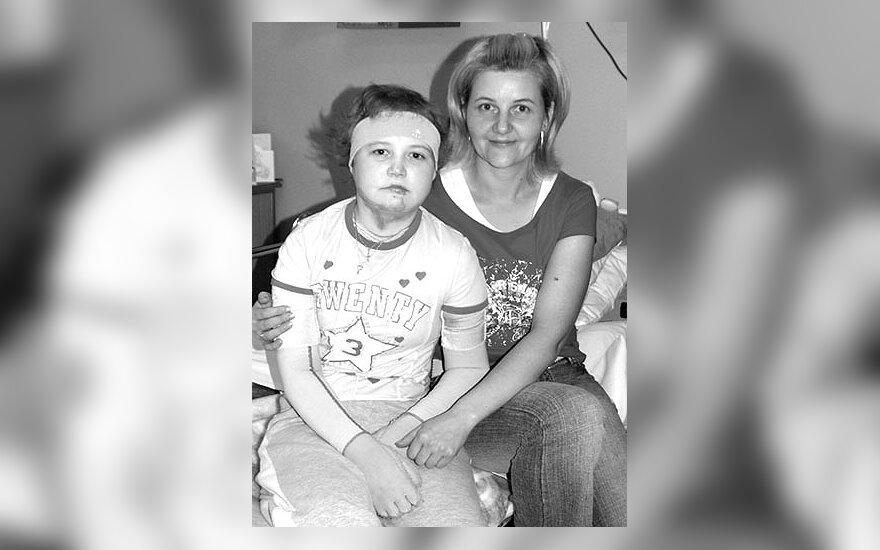 Liveta  Vanagaitė su mama