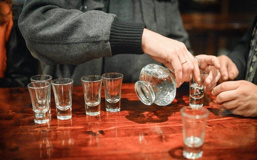 """""""Tvarkietis"""" siūlo grąžinti priverstinį gydymą nuo alkoholizmo"""