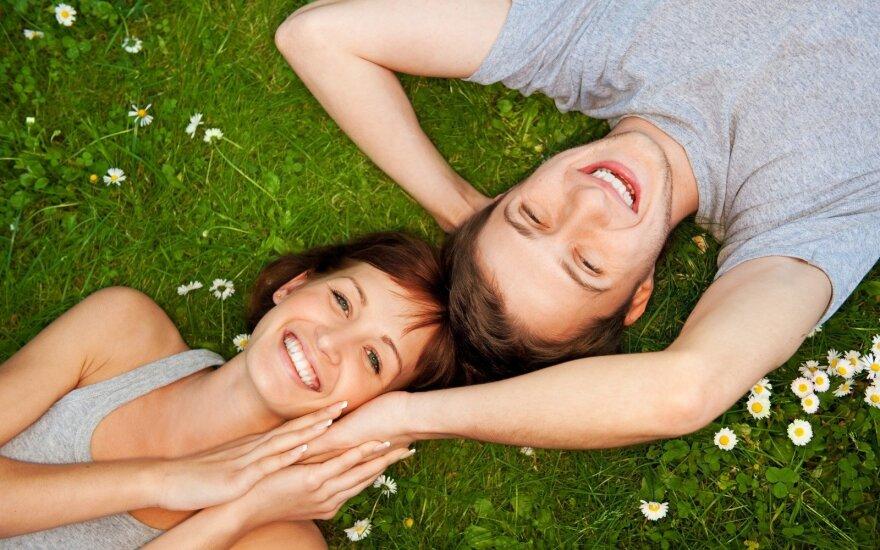 Santykių ekspertai: meilė gali trukti ilgiau nei trejus metus