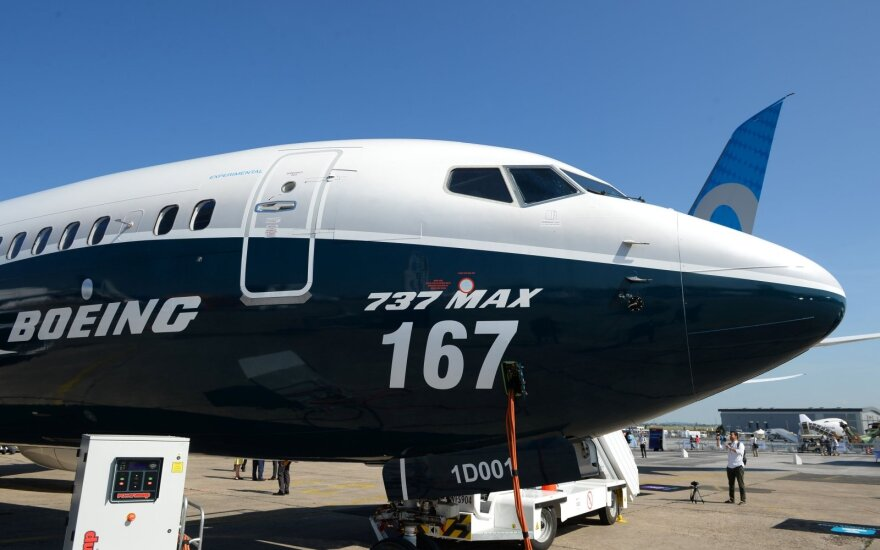 Boeing 737 MAX 10