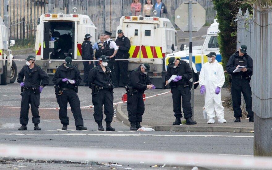 Po žurnalistės nužudymo Šiaurės Airijoje policija suėmė du paauglius