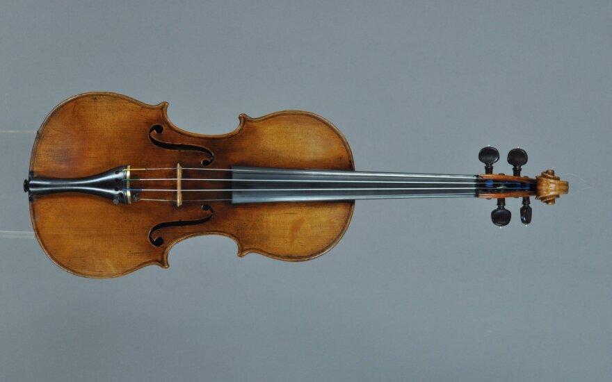 Naujalio kamerinės muzikos kursuose – Rostropovičiaus mokinė ir Stradivarijaus smuiko savininkė
