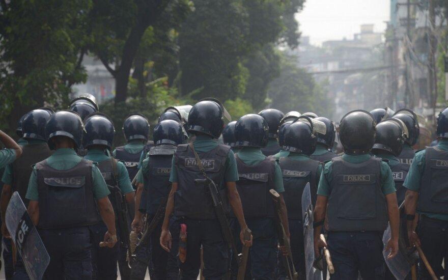 Bangladeše per susirėmimus rinkimų dieną žuvo du žmonės