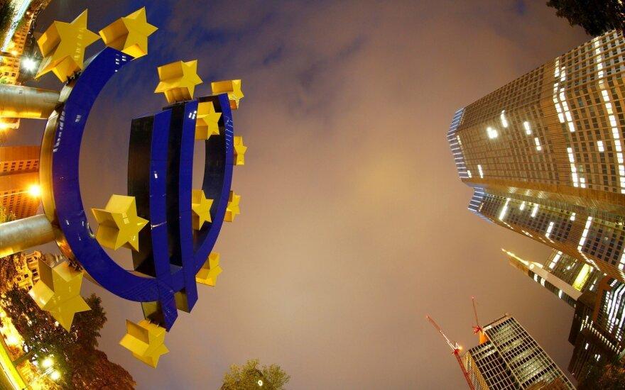 """ECB: """"Brexit"""" gali pakenkti euro zonos ekonomikai"""