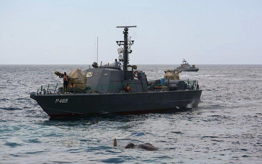 Šri Lankos karinis laivynas išgelbėjo į jūrą nuneštą dramblį