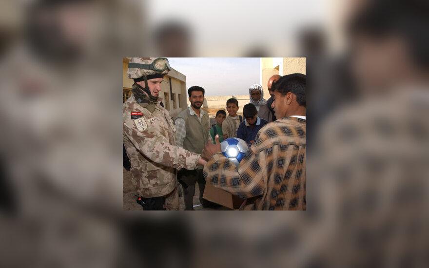 Irake Lietuvos karininkas surengė kalėdinę labdaros akciją vietos vaikams