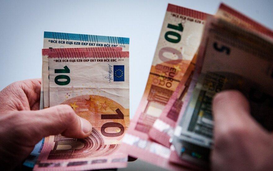 Statistinio skolininko portretas: 43-ejų ir skolingas 660 eurų