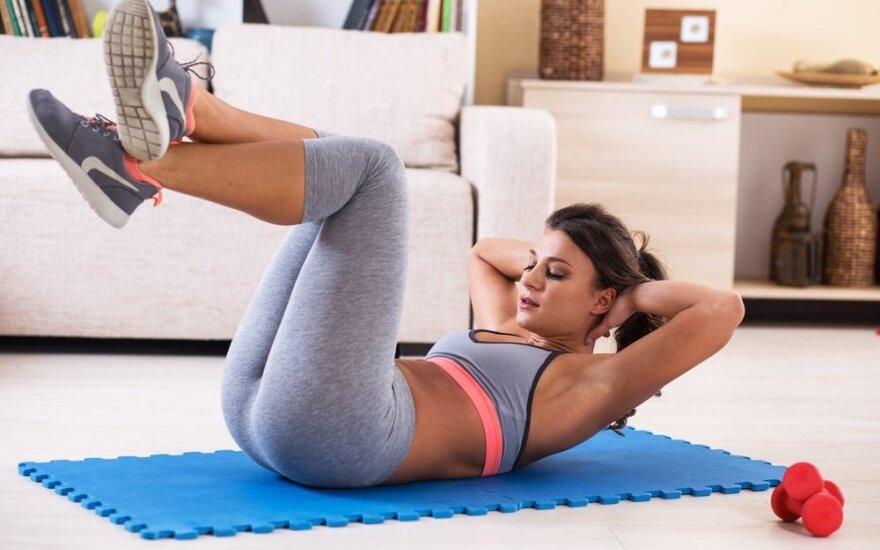 24 efektyviausi pilvo riebalų deginimo pratimai