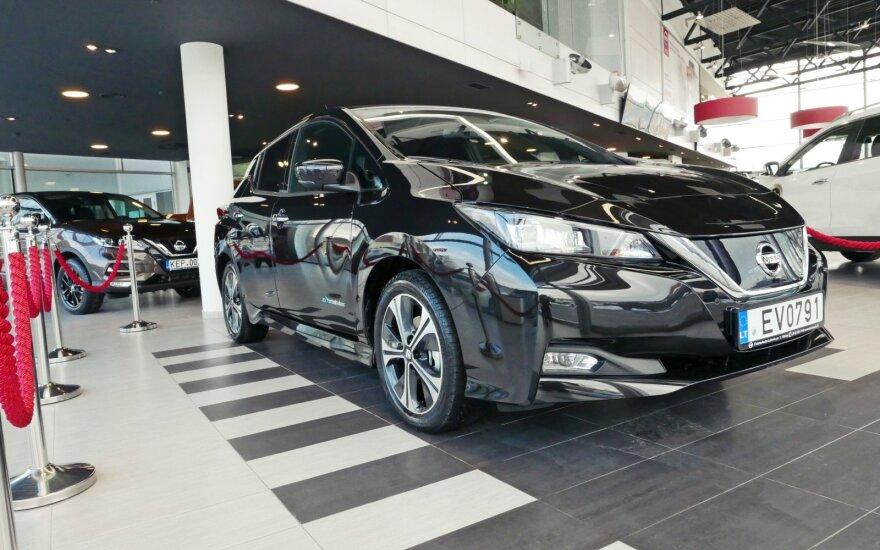 """Naujasis """"Nissan Leaf"""" jau išriedėjo į Lietuvos kelius"""