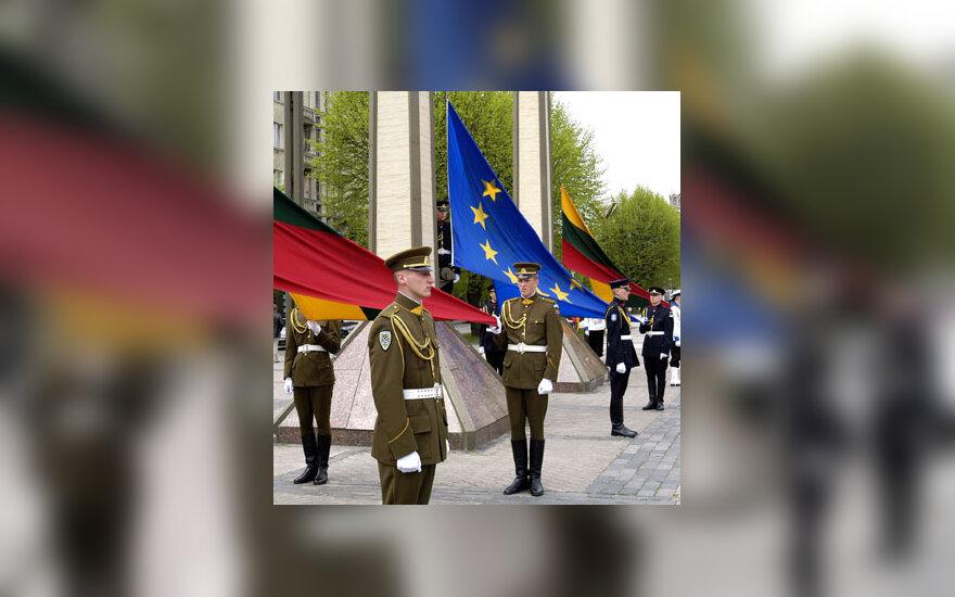 Lietuvos ir ES vėliavos