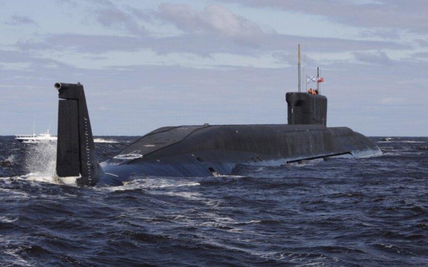JAV: Rusijos povandeniniai laivai agresyviai plaukioja netoli svarbių povandeninių kabelių