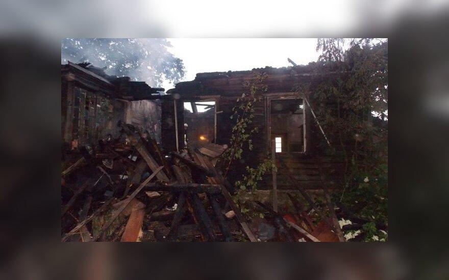 Sučiuptas Labardžių dvaro padegėjas prisipažino padegęs dar vieną pastatą