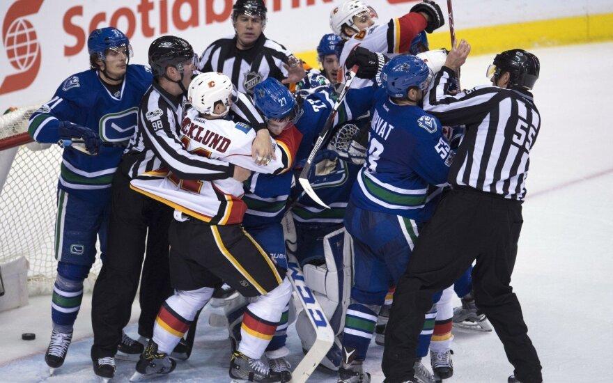 """NHL: """"Canucks"""" – """"Flames"""" rungtynės"""