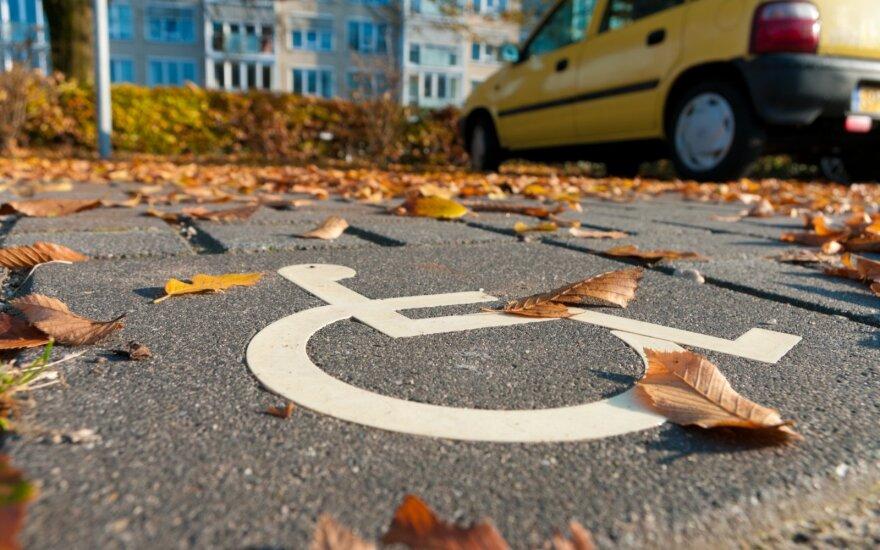Neįgaliųjų stovėjimas