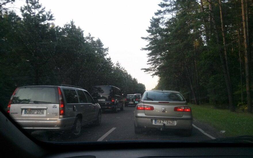 Pasipiktinusį Vilniaus vairuotoją nustebino valdininko laiškas