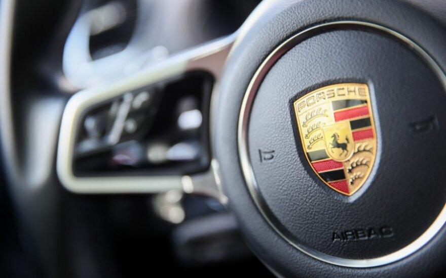 Draudikai: Lietuvoje daugėja prabangių automobilių
