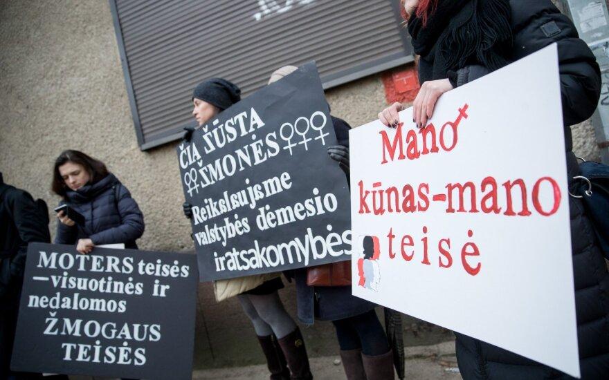Palaiko protestuojančias Lenkijos moteris: ar kas nors turi teisę primesti savo nuomonę?