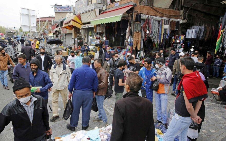 Iranas pranešė apie daugiau nei 1,5 tūkst. naujų užsikrėtimo koronavirusu atvejų