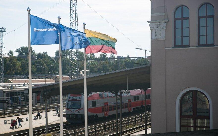 """Eurokomisarė: """"Lietuvos geležinkelių"""" pertvarka yra žingsnis pirmyn"""