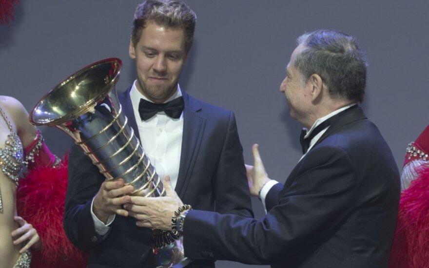 Sebastianas Vettelis - keturiskart pasaulio čempionas