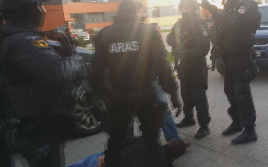 """Kriminalistai ir """"Aras"""" surengė įspūdingą sulaikymo operaciją"""