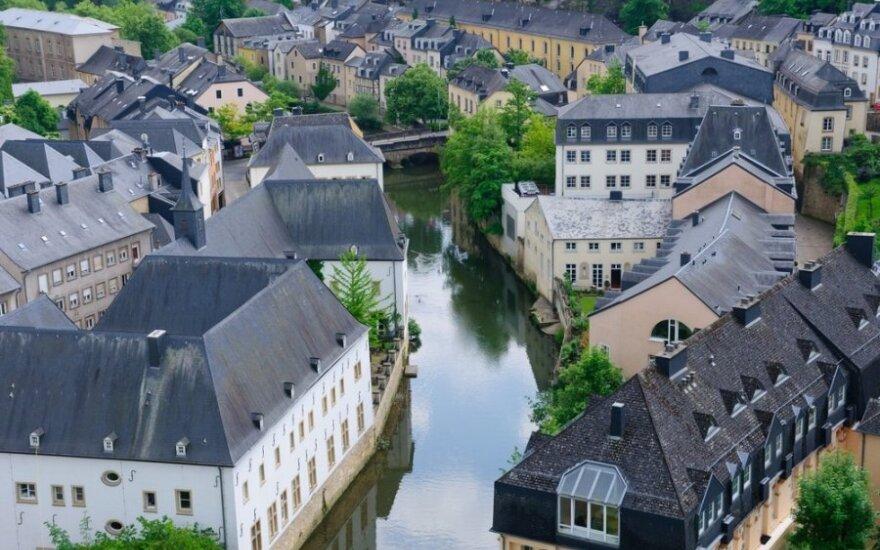 Sukčius Liuksemburgas ir parazitė Airija