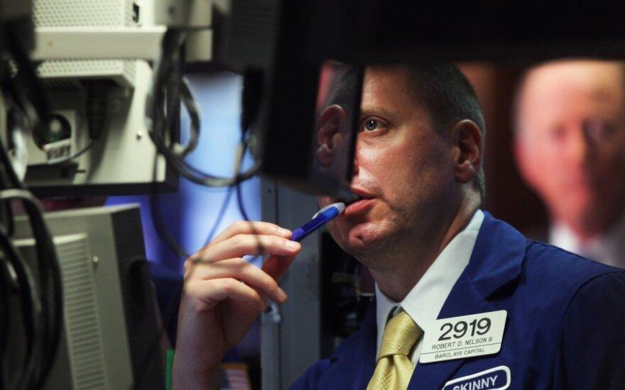 Pasaulio akcijų rinkose – lūkuriavimo nuotaikos