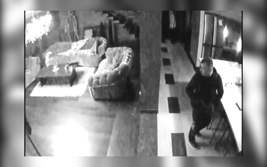 Ieškoma nufilmuoto tylaus vagies: namuose buvę šeimininkai nieko negirdėjo