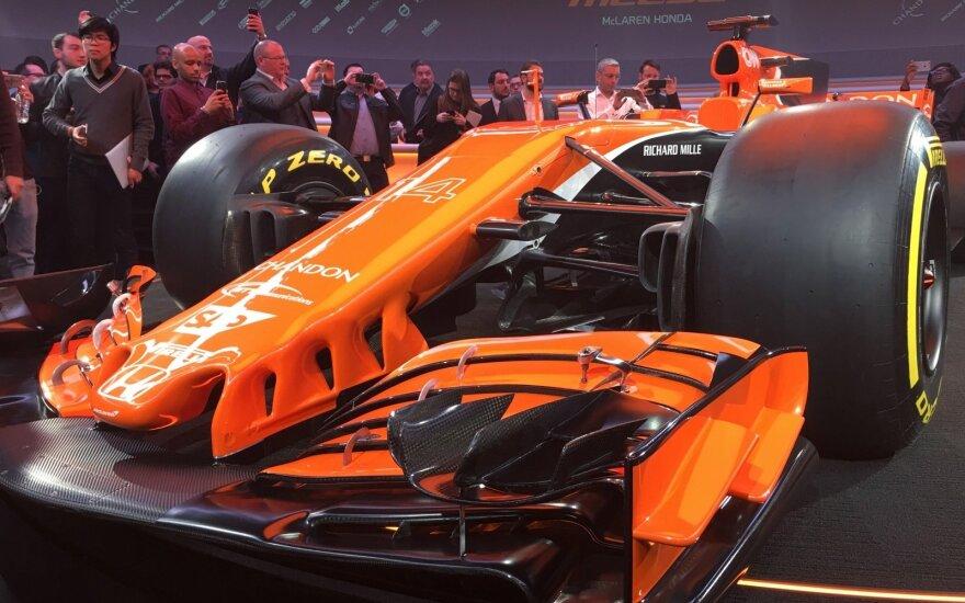 "F-1 ""McLaren"" komandos naujas automobilis"