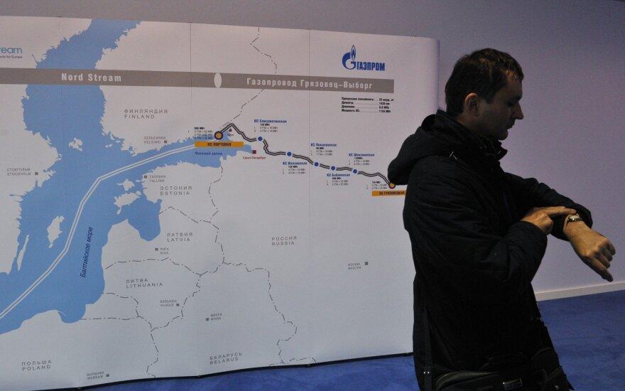 """Merkel susiejo """"Nord Stream -2"""" likimą su Ukrainos tranzitu"""