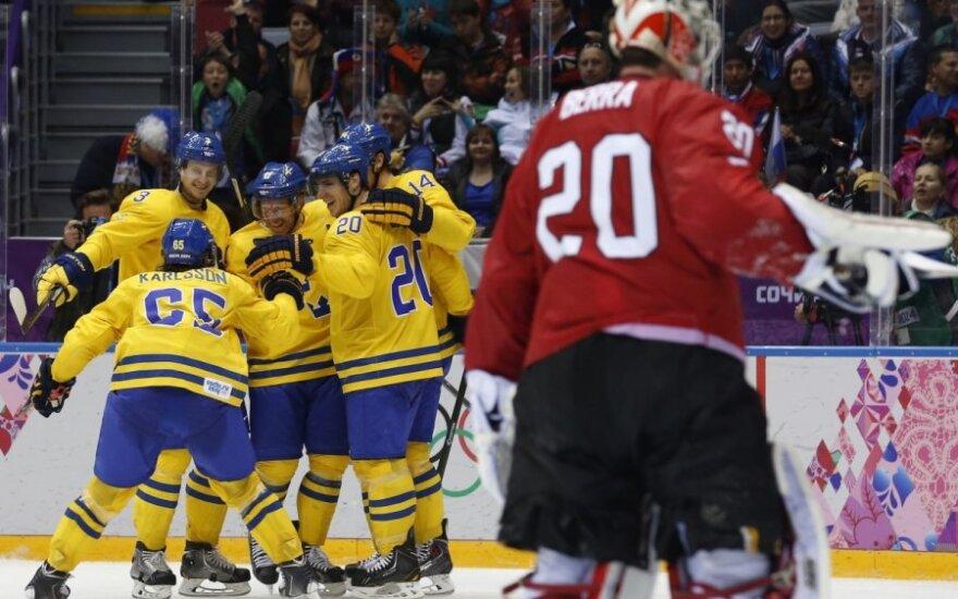 Švedijos ledo ritulio rinktinė džiaugiasi pergale