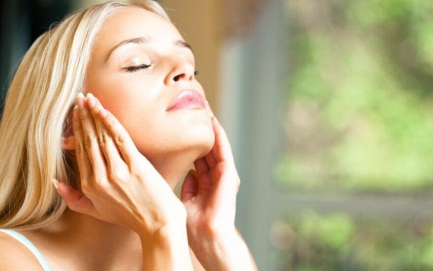 8 būdai, kaip atrodyti jauniau be botokso
