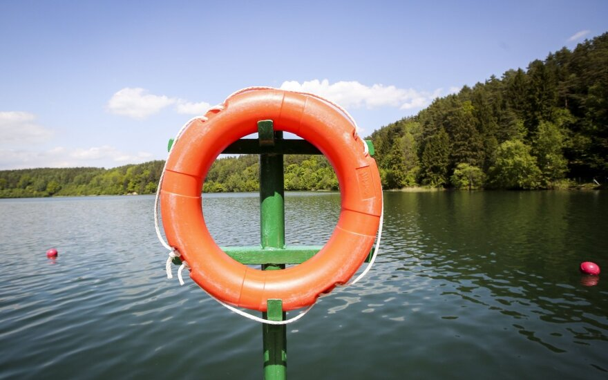 Šeštadienį, kiek atlėgus karščiui, sumažėjo nelaimių vandenyje – per dieną nuskendo keturi žmonės