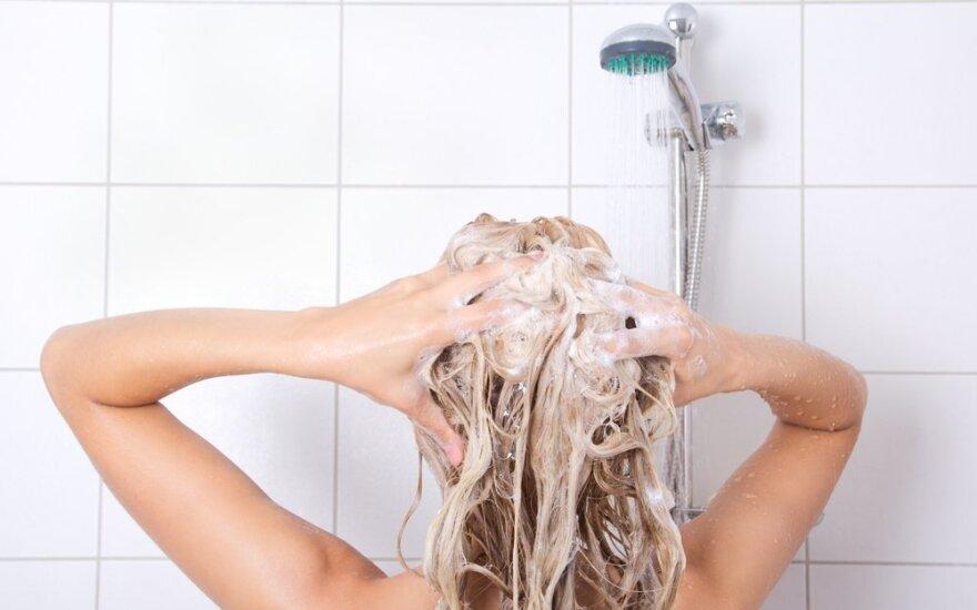 Klaidos, kurias darome visi: kaip teisingai plauti plaukus?