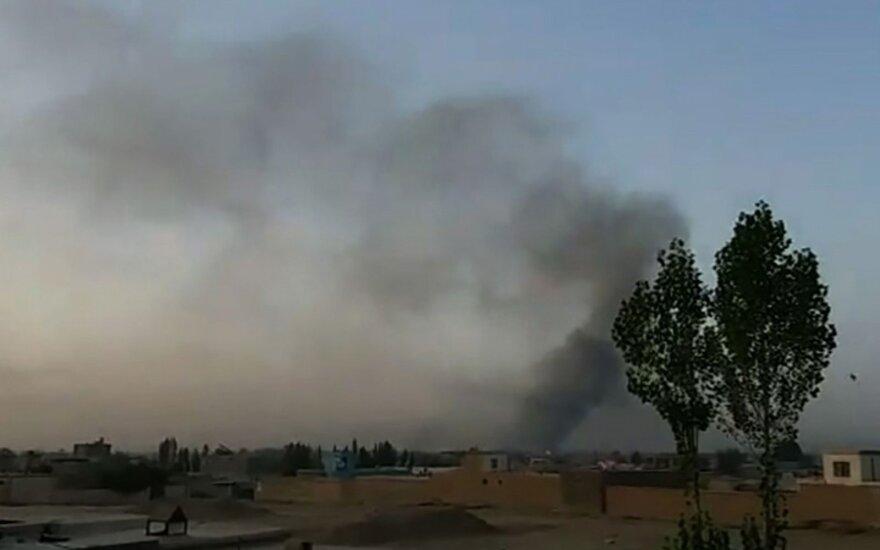 JAV aviacija smogė Afganistano miestą puolantiems Talibano kovotojams