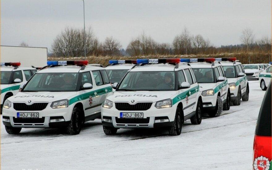 Policijai įteikti nauji Škoda automobiliai
