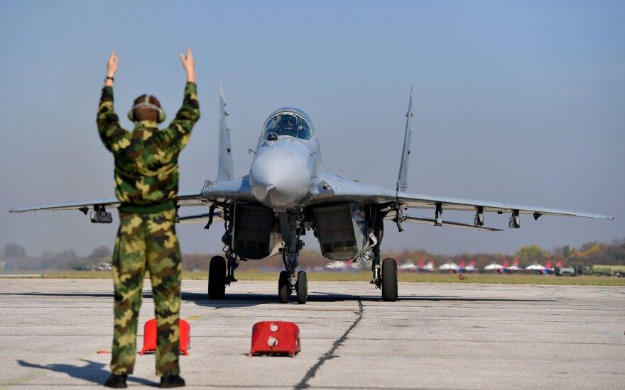 Kinija demonstruoja raumenis NATO teritorijoje
