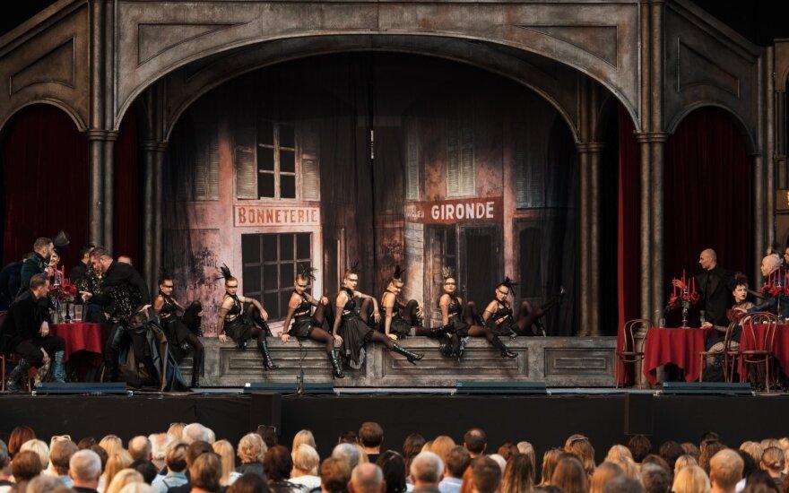 """Akimirkos iš operos """"Faustas"""""""