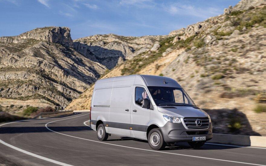 """""""Mercedes-Benz"""" pristatė trečios kartos """"Sprinter"""""""