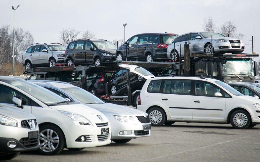 Pasikeitus taisyklėms ukrainiečiai siaučia Lietuvoje: įsigijo 20 tūkstančių automobilių