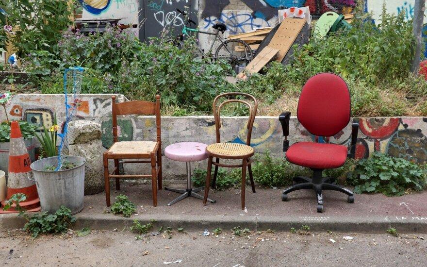 Išmestos kėdės