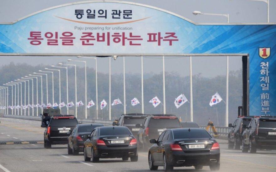 Seulas už 16 žmonių nužudymą deportavo du šiaurės korėjiečius